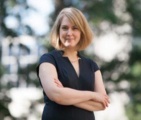 Dr. Lesley Zwicker